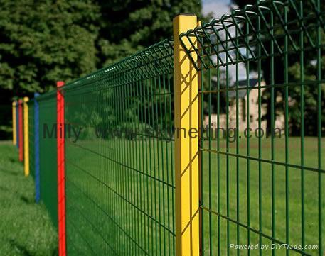 curvy welded 3D panel fence/ triple Wire Fencing/welded wire fence 2