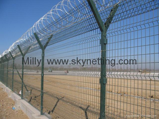 curvy welded 3D panel fence/ triple Wire Fencing/welded wire fence 5