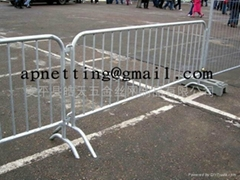 road high safety barriers/ pedestrian barricade/steel barricade factory (Hot Product - 1*)