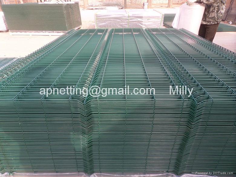 PVC高速公路折弯护栏/焊接网片生产厂家 1
