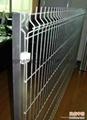 三角折弯防护护栏网,折弯护栏2.5米宽,浸塑庭院围墙护栏