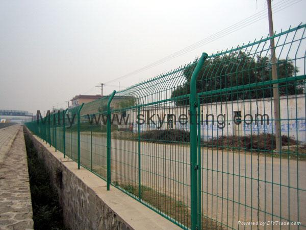 3D welded wire mesh fences/welded panel fencing/wire fencing panels 3