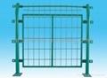 工厂专供出口折弯热镀锌PVC护栏网