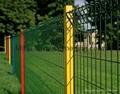 护栏栅栏网、栅栏护栏 焊接墨绿色折弯护栏 厂家