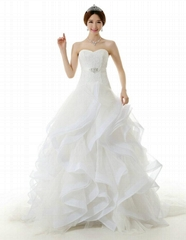 New style ball gown sweetheart Organza Wedding Dress With Train HQD04