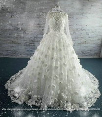 2016 New Luxury Flower Lace Big Ball Bridal Gown With Train Long Sleeved KB16602