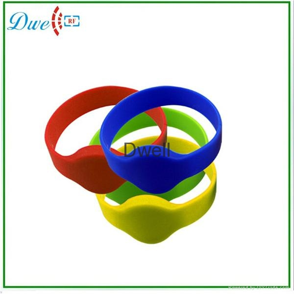 silicone wristband bracelet rfid tag waterproof 1