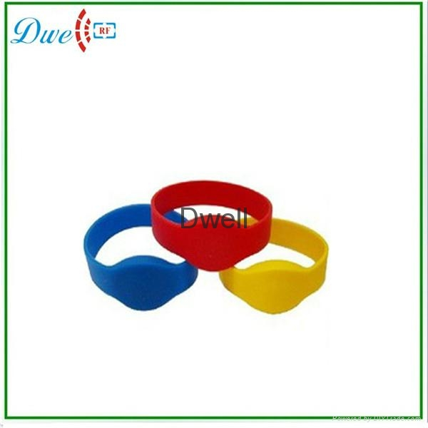 silicone wristband bracelet rfid tag waterproof 2