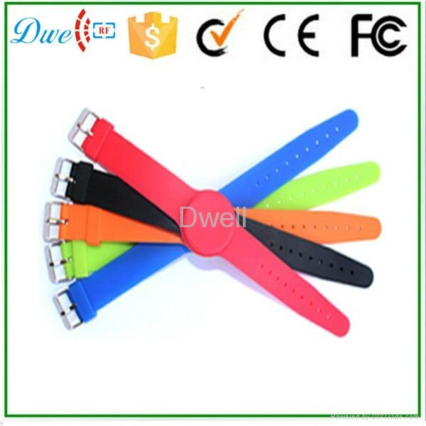 mixed color 125khz or  13.56mhz mf 1k adjustable silicon rfid wristband 7