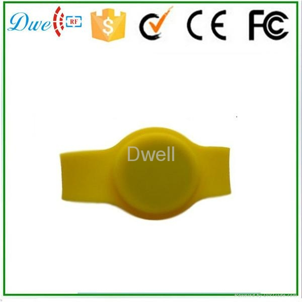 mixed color 125khz or  13.56mhz mf 1k adjustable silicon rfid wristband 8