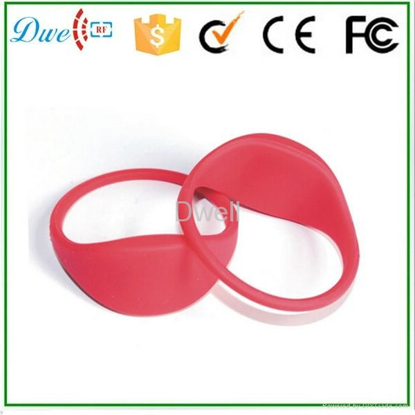 Silicone Waterproof 65mm 74mm Diameter RFID Wristband Bracelet Tag 2