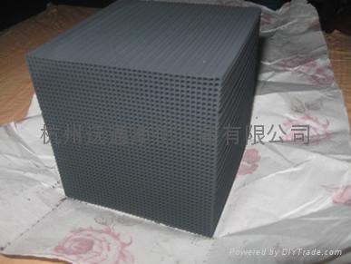 有機廢氣淨化專用蜂窩活性炭 1