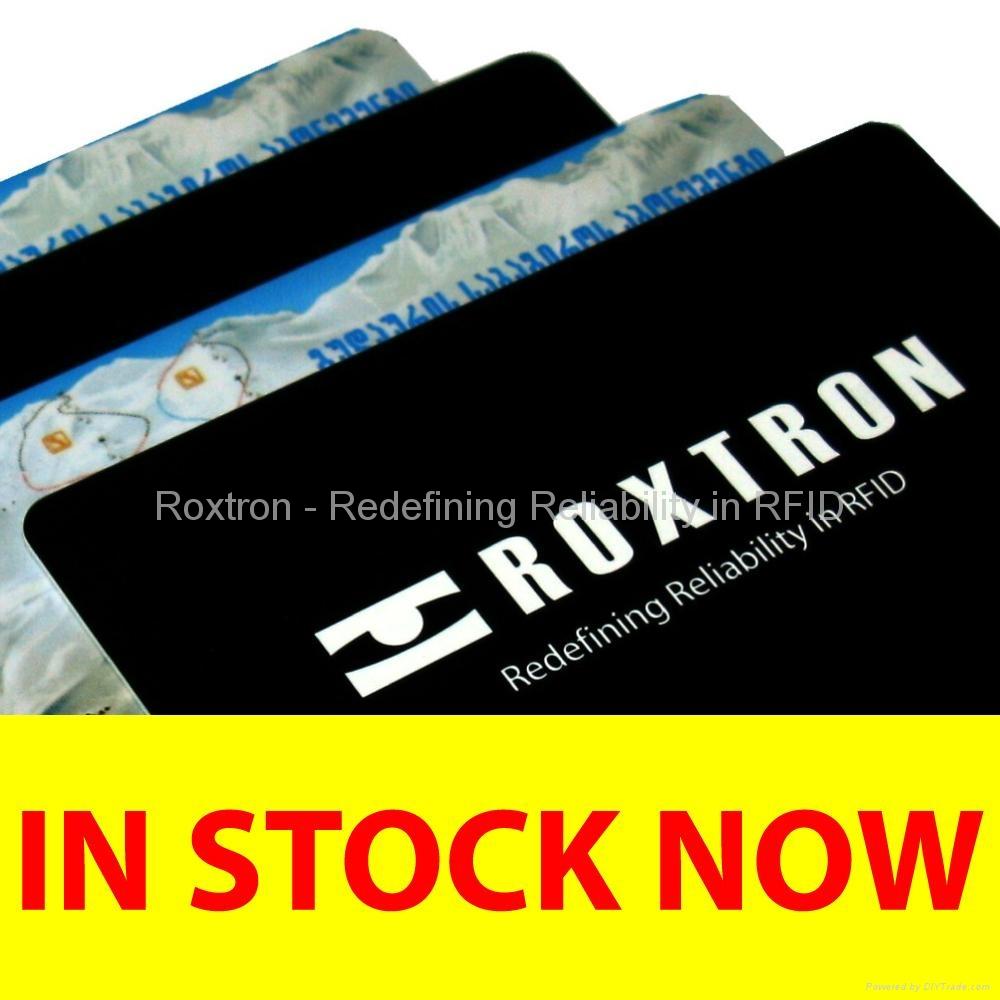 ROXTRON MIFARE 4K + UHF Class 1 Gen2 Dual Frequency PVC ISO Card