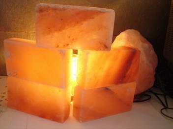 天然水晶岩鹽燈 1