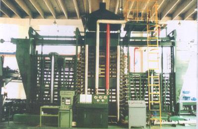 竹膠板熱壓機等成套加工設備 2