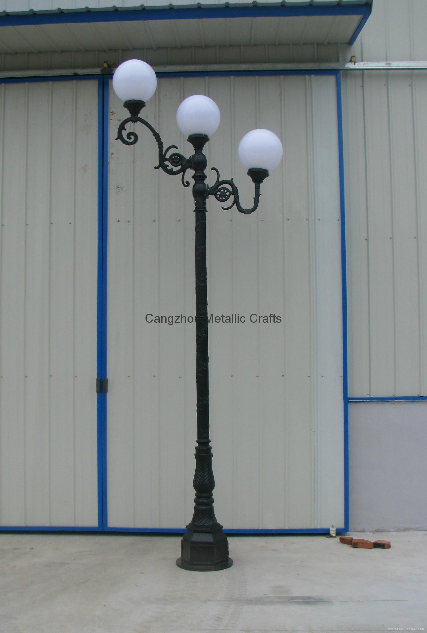 Cast aluminum and iron led gardon or street light post l650 cast aluminum and iron led gardon or street light post 2 mozeypictures Gallery