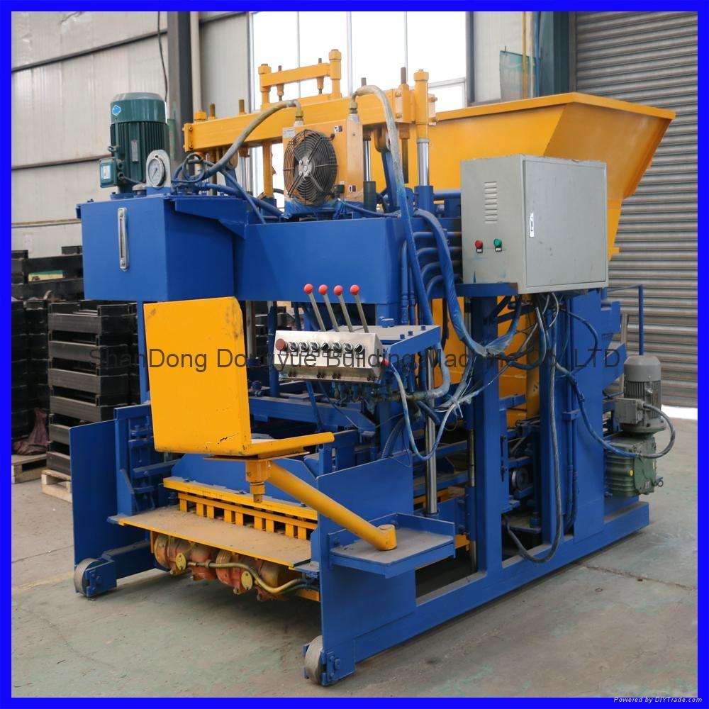 QTM10-15 移动式砖机,空心砖机 1