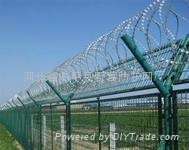高速公路护栏网 2