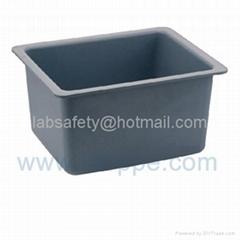 灰色高教中水槽