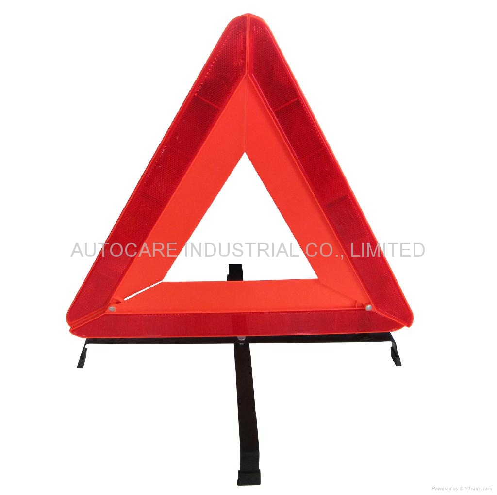 2020 Warning triangle