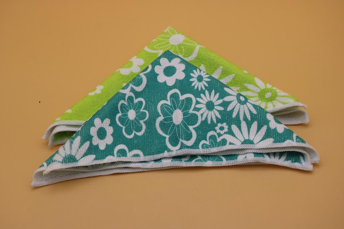 printed microfiber cleaning wipe 1