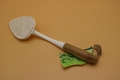 loofah kitchen brush with bamboo pipe handle