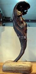 紅木雕人型抽像