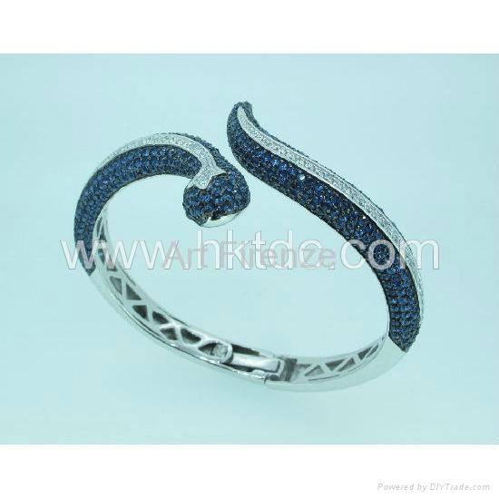 蛇形手镯 3