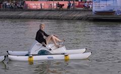 水上自行車-沙發艇