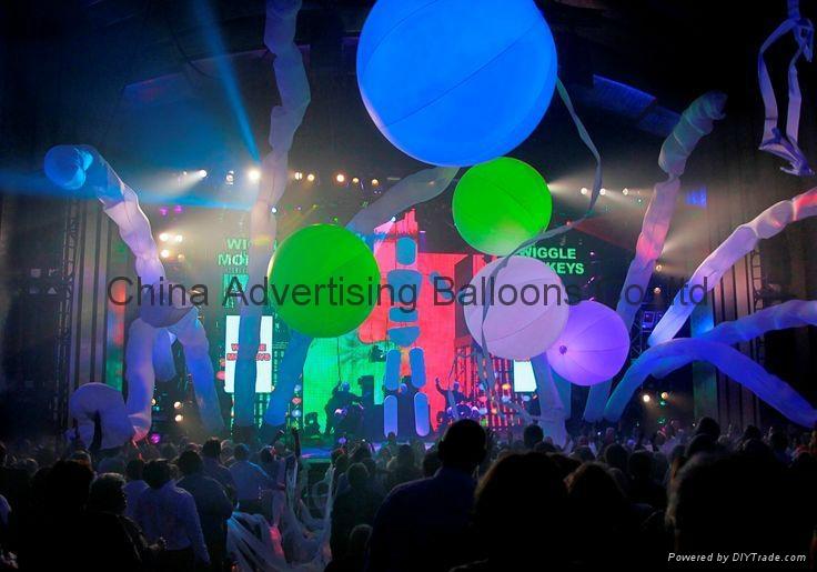 blue man balloon 1