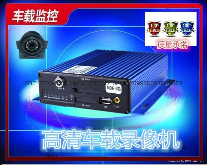 AHD百万高清车载录像机 1
