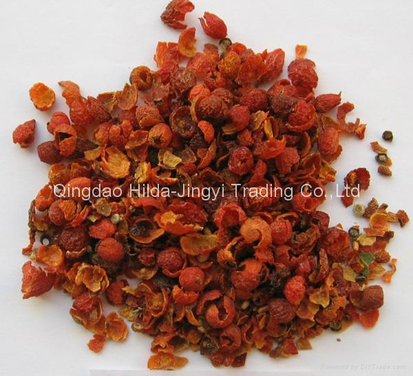 Dried wild rosehip fruit shell  2