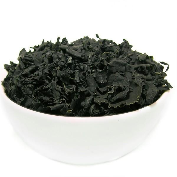 Dried cut seaweed wakame