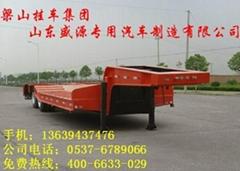 挖掘机运输低平板半挂车