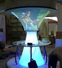 UV灯箱拉膜