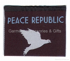 Damask label non-woven care label