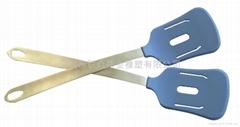 Silicone leakage shovel