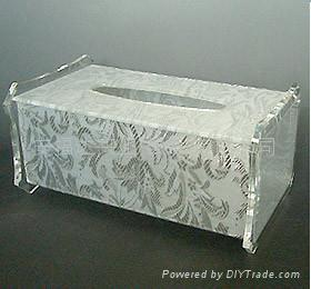 ACRYLIC TISSUE BOX 2