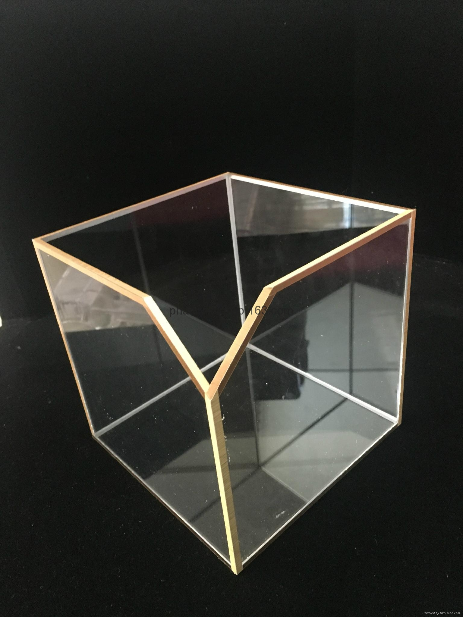 Acrylic cubic box with golden foil 1