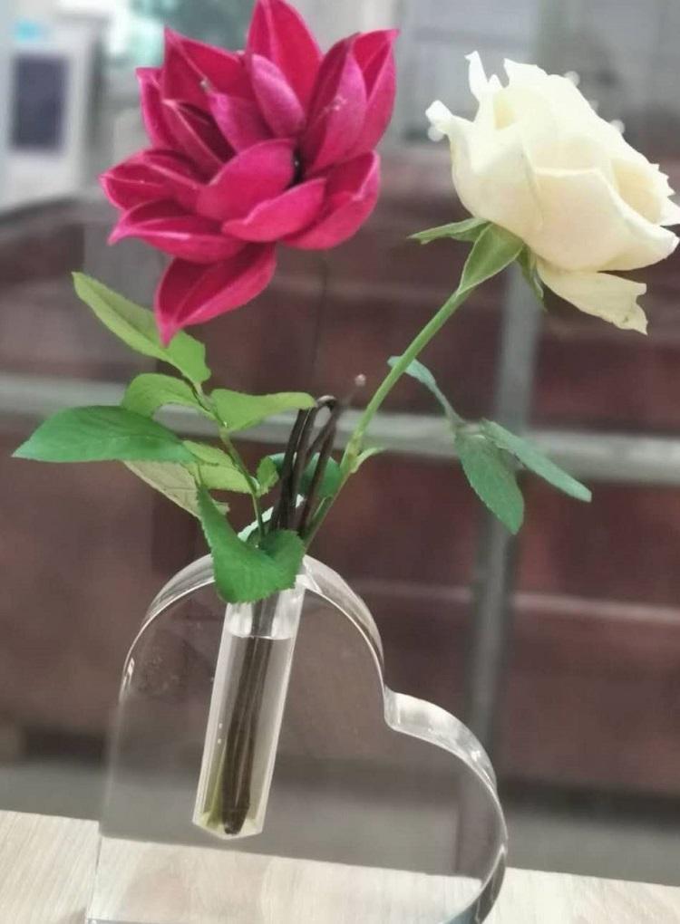 亞克力創意家居心形花瓶 4