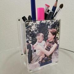 Acrylic pen holder with photo frame