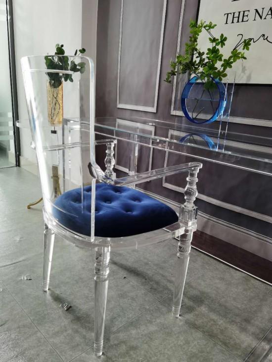 Acrylic plexiglass dining chair with armrest and backrest 6