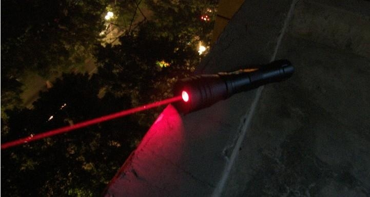 200mw 660nm high powered water proof red laser pointer with focusable lens burns 4