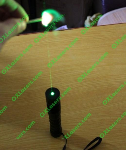 100mw 532nm hand held focusable green laser torch/burning laser light matches 4