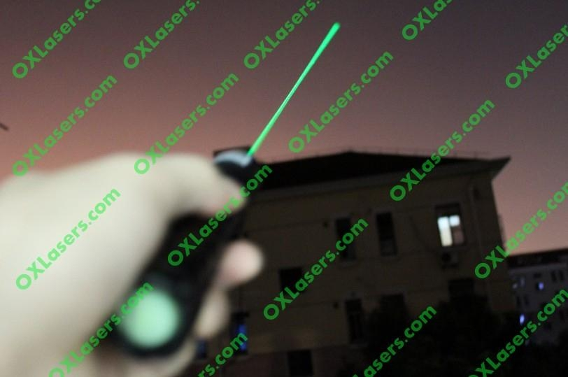 100mw 532nm hand held focusable green laser torch/burning laser light matches 5