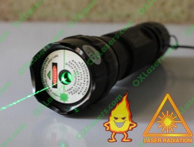 200mW High power UltraFire WF-501B Flashlight Green Laser Pointer burn matches 1