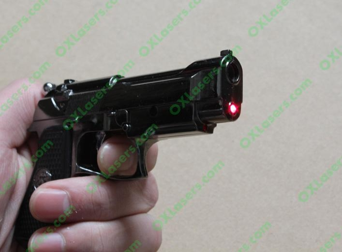Gun style cigerettes lighter with a 5mw red laser pointer sight FREE SHIPPING 1