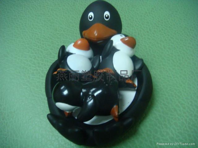 搪胶企鹅 子母企鹅 企鹅母亲小企鹅妈妈 企鹅爸爸 企鹅一家人 1