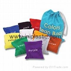 表面可四色印刷或绣花或刺绣的豆袋沙袋沙包
