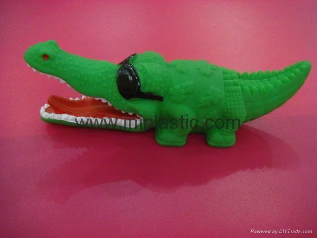 PVC鱷魚|搪膠魚|搪膠鱷魚|游泳魚|玩具游水魚|噴水魚 2